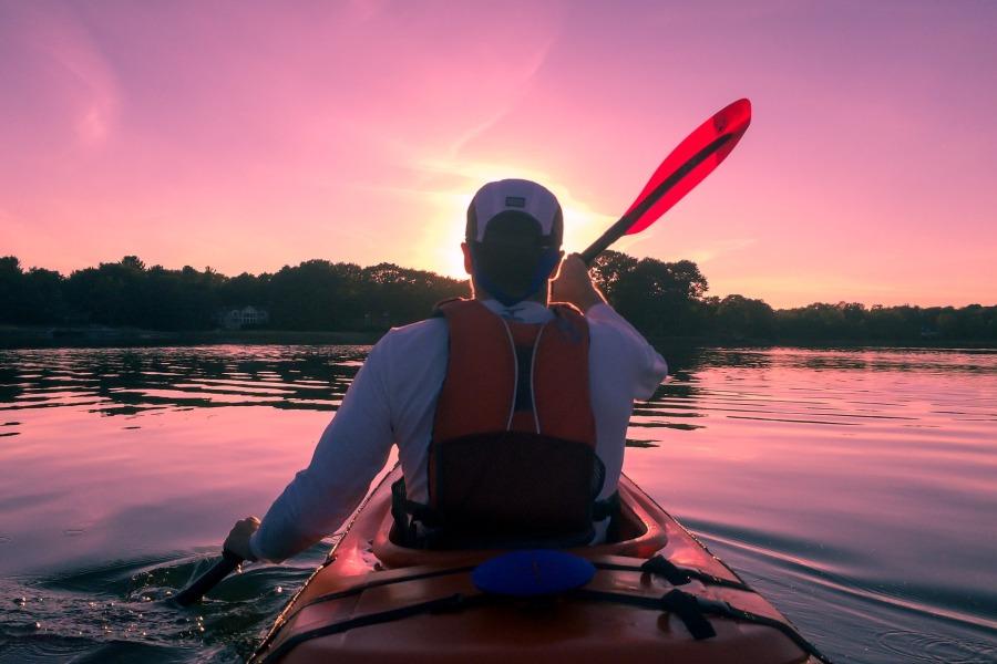 kayaking-1149886_1920